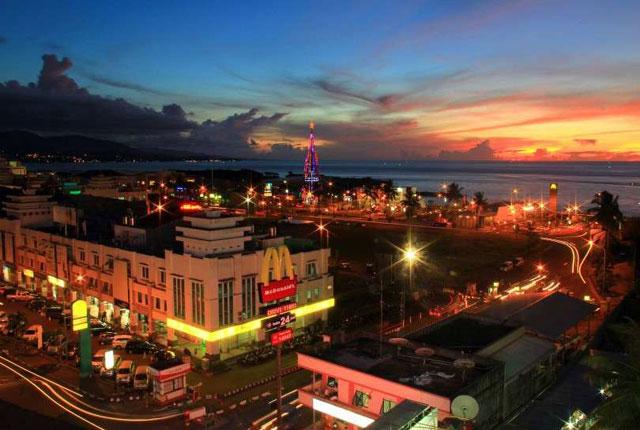 Kawasan Boulvard-Wisata Kuliner Di Manado