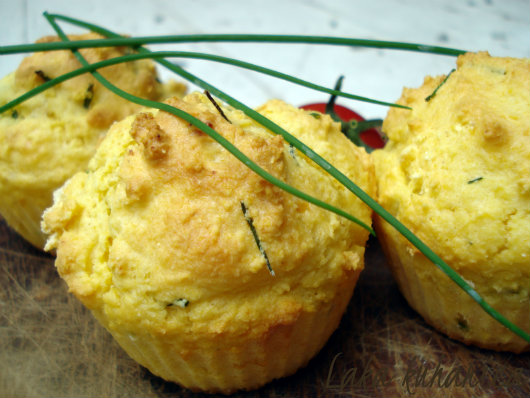 Corn and chives muffins by Laka kuharica: typical Croatian cornbread in small, individual servings.