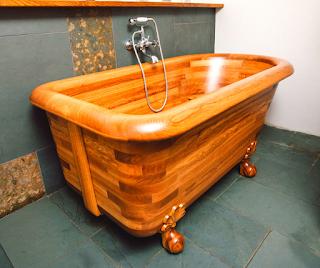 Oak-Bathtub