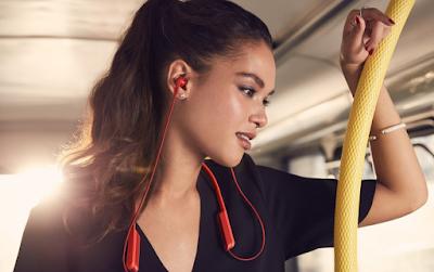 Neckband Headphones - Sony MDR-XB70BT