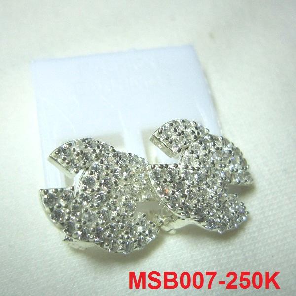 trangsuc.top - Bông tai Chanel đính đá trắng cao cấp B007 - Giá: 250,000 VNĐ - Liên hệ mua hàng: 0906 846366(Mr.Giang)