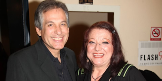 Θάνος Καληώρας: «Λυγίζει» on air για την Τζέσυ Παπουτσή