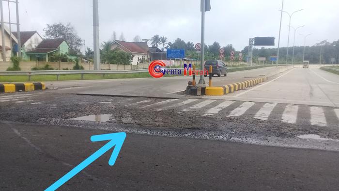 Lubang Masuk Tol Tegineneng Dikeluhkan Pengguna Jalan