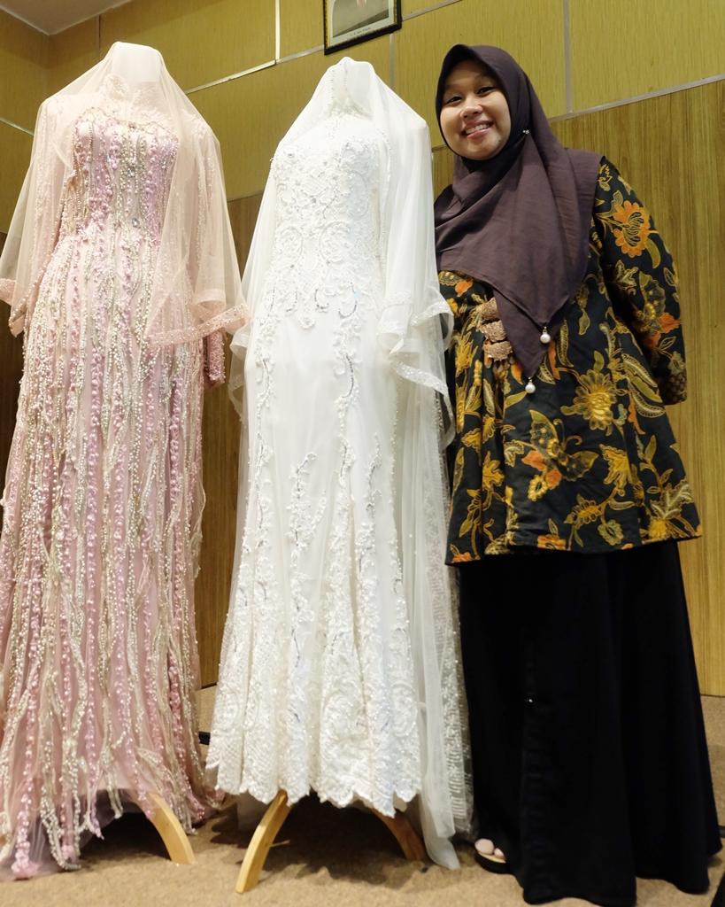Desain Baju Nikah Muslimah