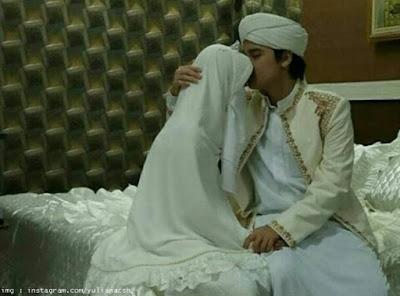 Ciuman Mesra Pertama Alvin Untuk Istrinya
