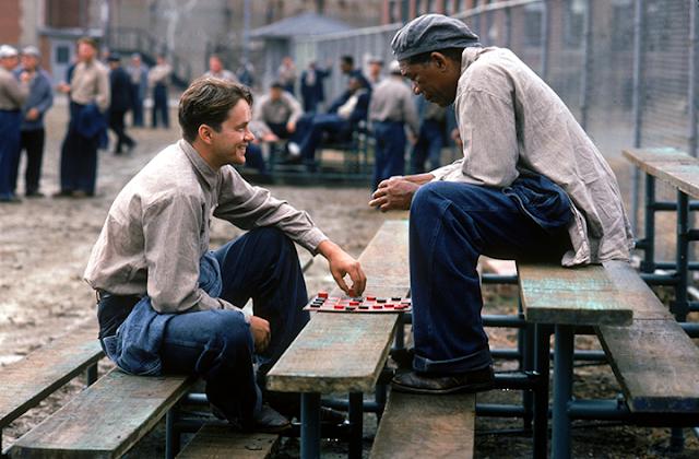 Fotograma de la película Cadena perpetua (1994), con Tim Robbins y Morgan Freeman