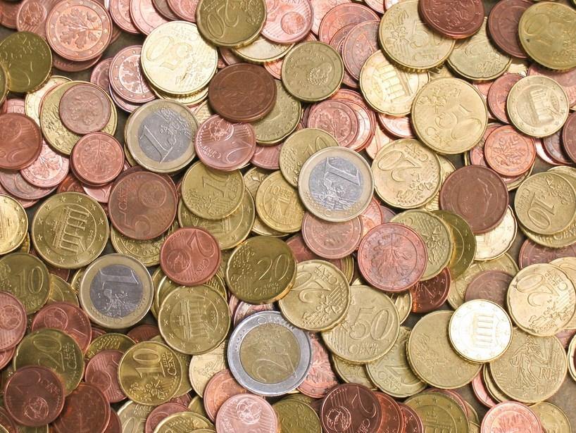 Sejarah Penciptaan dan Penggunaan Uang Sebagai Alat Bayar yang Sah uang logam modern dan kuno dari sleuruh negeri