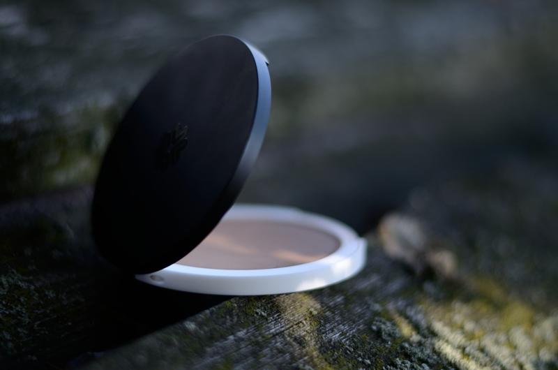 Mineral Pressed Bronzer Honolulu | Prasowany puder brązujący Lily Lolo