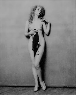 Myrna Darby Nude