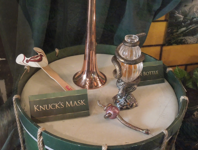 Knucks mask Oz The Great and Powerful movie props