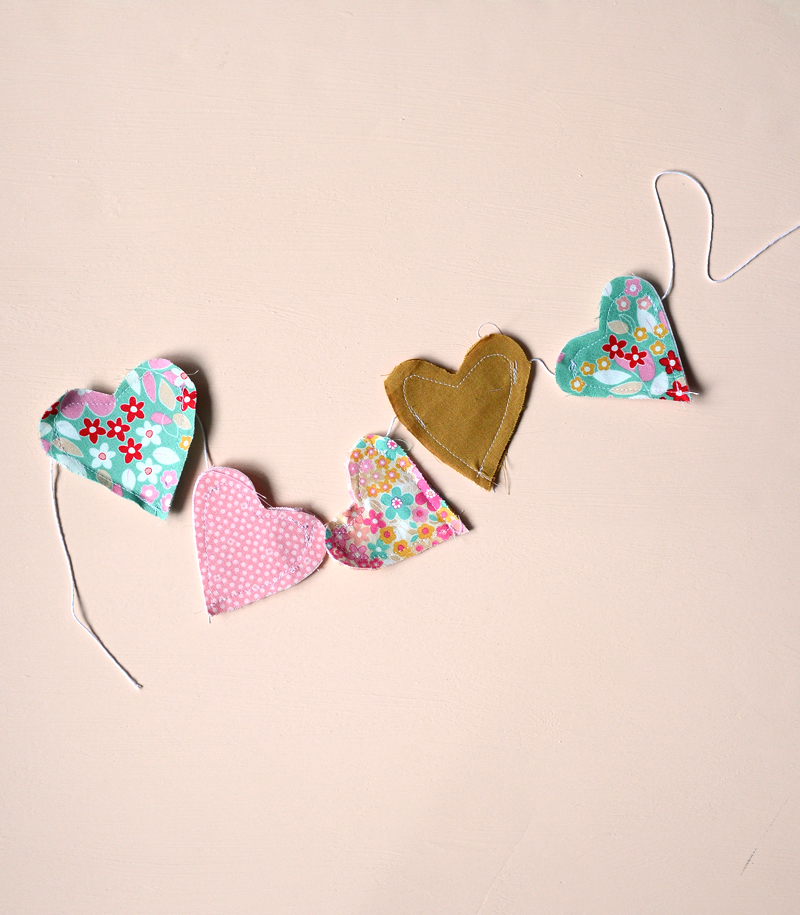 diy fabric heart garland