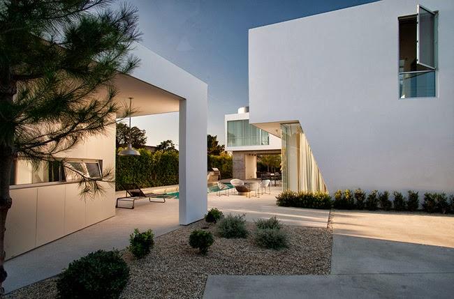 Casas minimalistas y modernas casa minimalista en venice for Casa moderna venezia