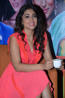 Shriya Saran at RHC Charity Concert in a Beautiful Sinduri Sleeveless Gown