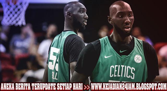 Boston Celtics Pertahankan Pemain Raksasa Tacko Fall