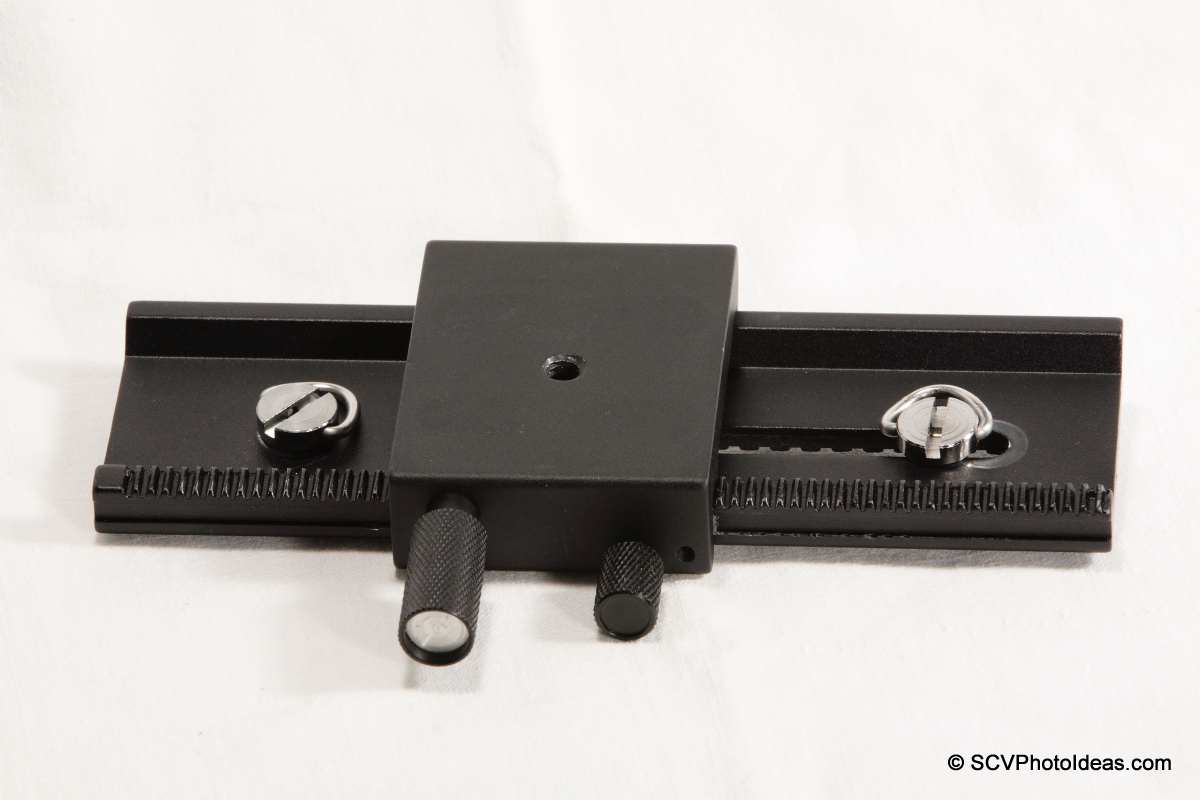 Fotomate LP-01 Geared Macro Rail bottom detail