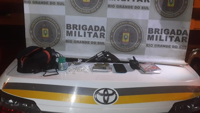 BM prende dupla por tráfico e porte ilegal de arma de fogo no bairro Marrocos em Gravataí
