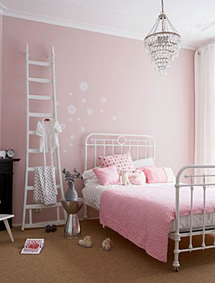 Unique Ideas for decorating little girls' bedrooms 4