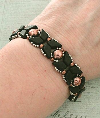 The Black Harlequin Bracelet