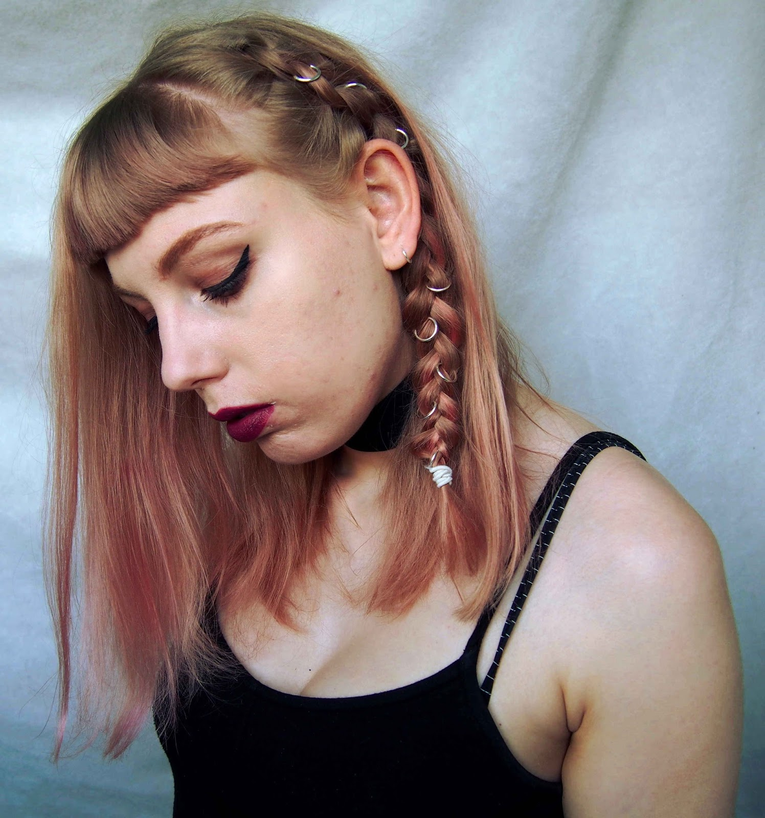 grunge hairstyle, dutch braid, grunge hair, braided hair, festival hairstyle plaited hair, hair rings, how to wear hair rings, grunge hair rings, pink hair, rose gold hair, dusty pink hair 2