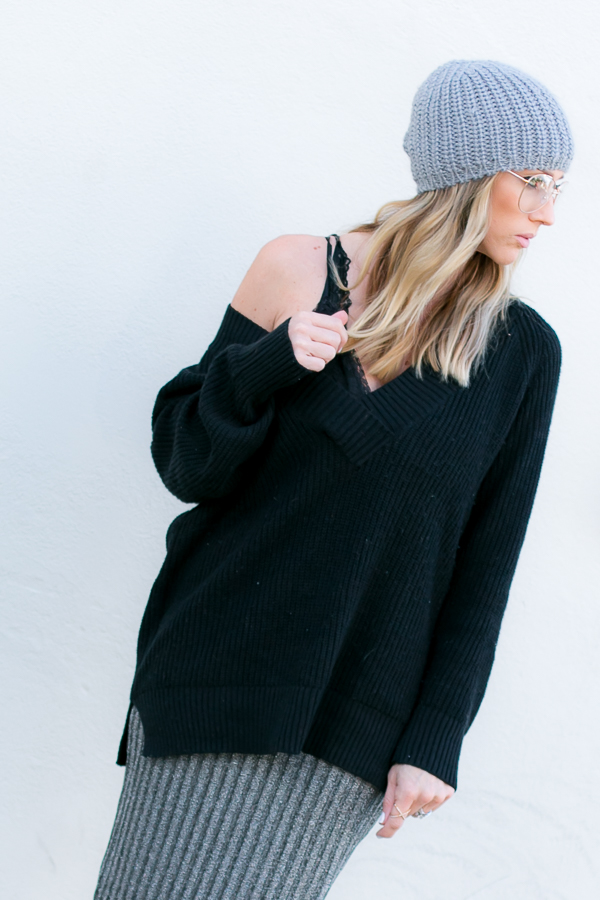black v neck oversized sweater for winter style parlor girl