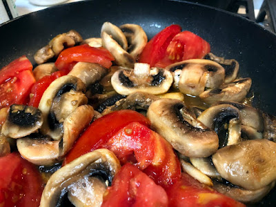 Why should I not mix tomatoes and mushrooms?