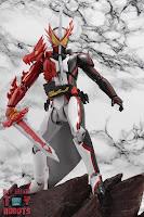 S.H. Figuarts Kamen Rider Saber Brave Dragon 31