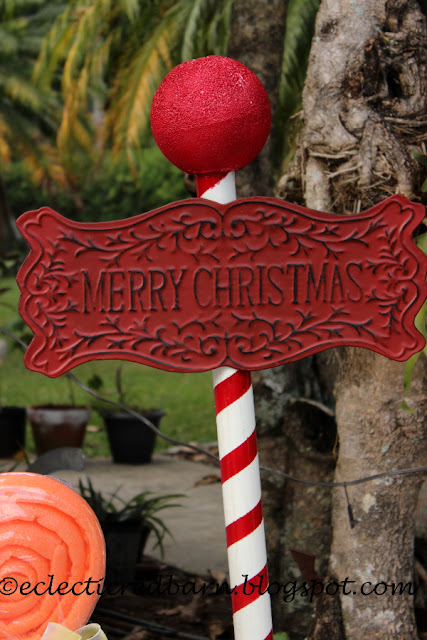 Eclectic Red Barn: Christmas sign attached to PVC pole