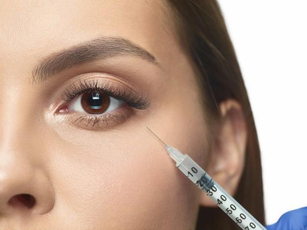 جفاف الجلد حول العين إليك الأسباب وطرق العلاج