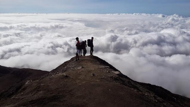 Gunung kelimuntu, Sumatera