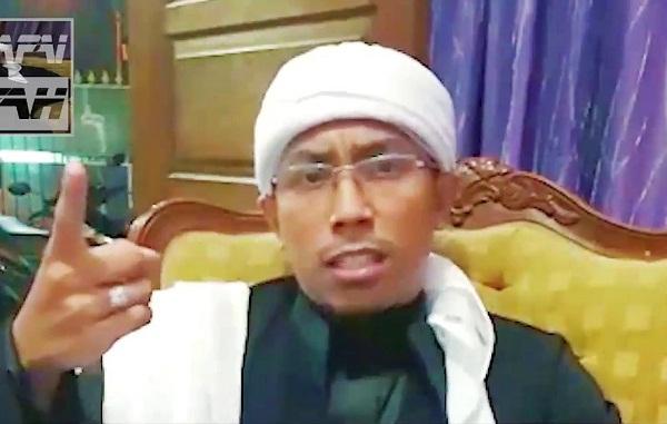 Ustadz Maaher At-Thuwailibi: Yang Ditusuk Ulama, Mereka Langsung Teriak Pelaku Orang Gila