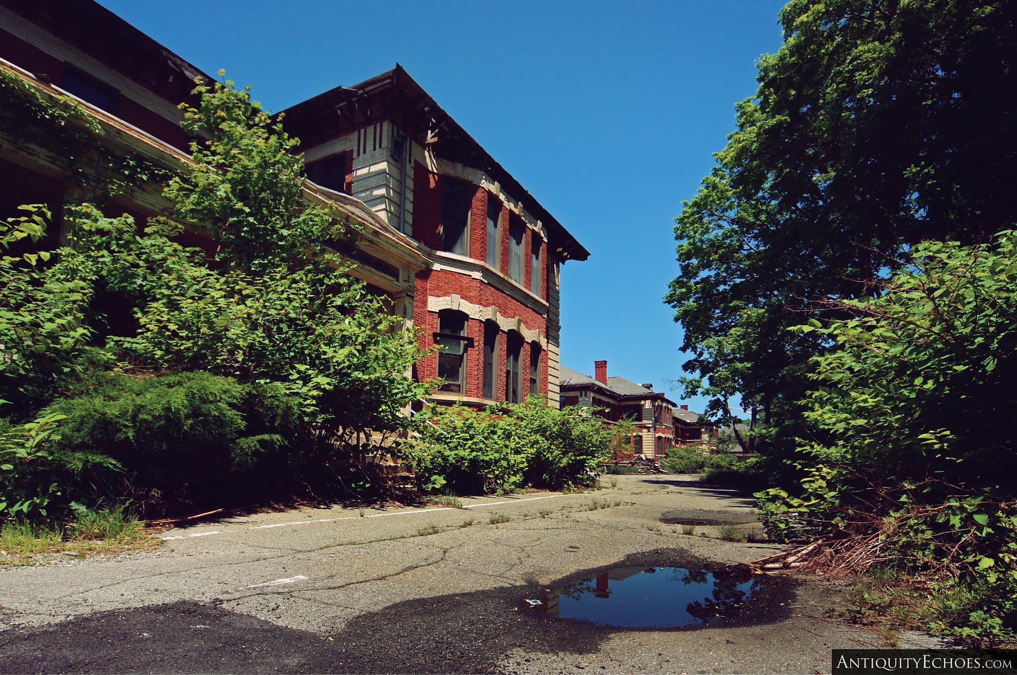 Overbrook Asylum - Overgrown Campus
