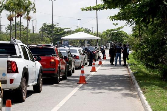 Macaé, RJ, volta atrás e mantém barreiras sanitárias nas entradas do município