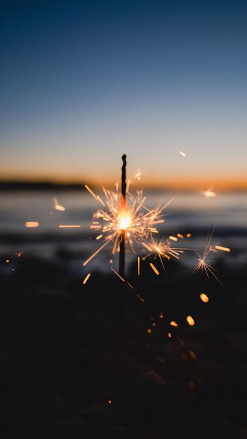 Sparkler Wallpaper, Handwork Firework, Sparks, Glare, Dark Free HD