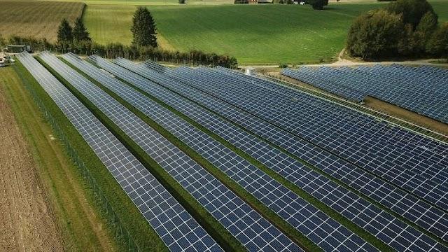 Τι θα γίνει μετά από 20 χρόνια στον κάμπο που θα λήξει η ζωή των αγροτικών φωτοβολταϊκών;