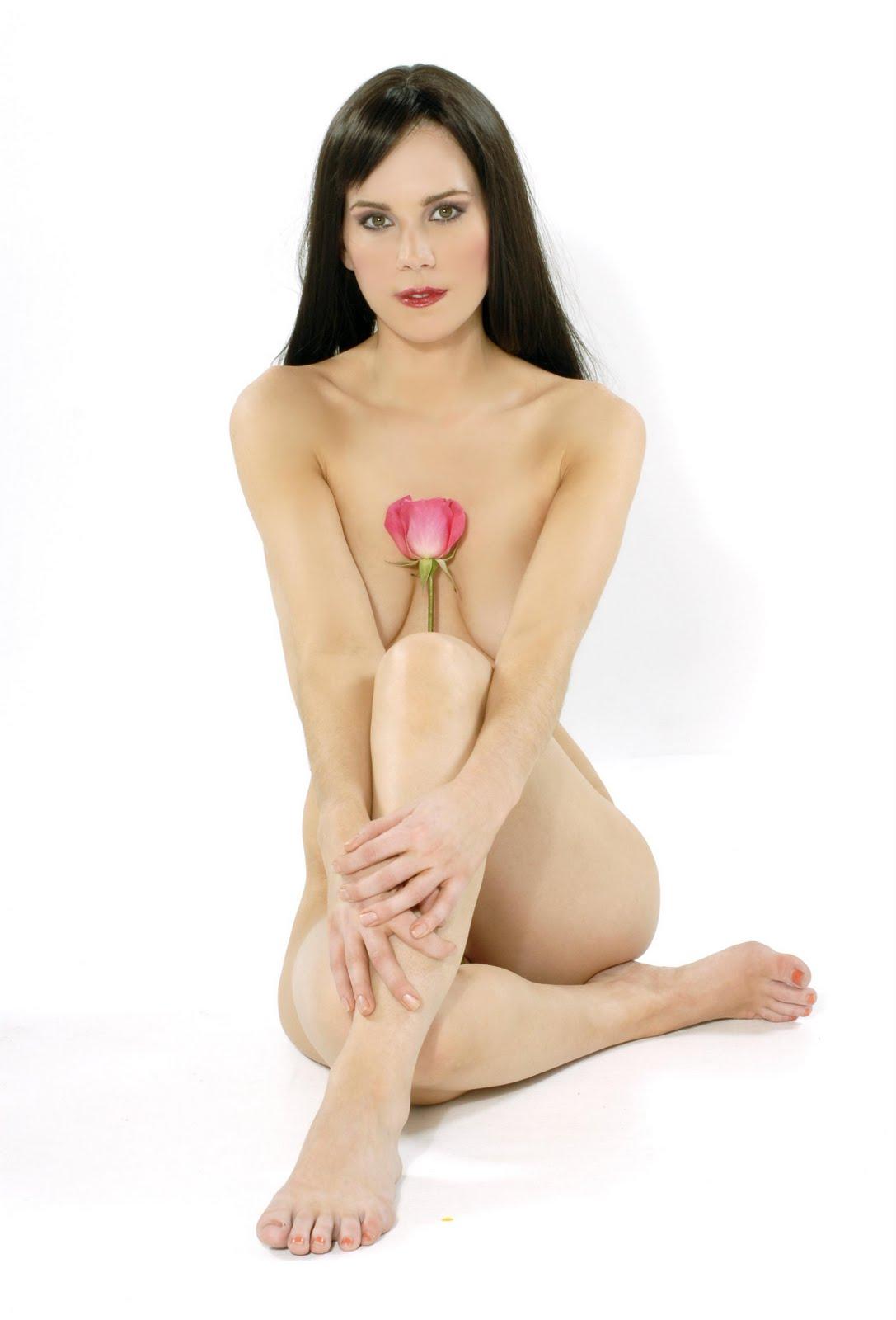 Elle Kingsley Nude 36