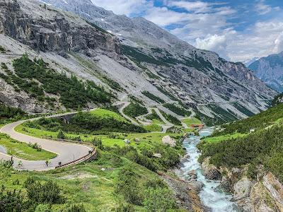 Stelvio Pass Bormio cycling road carbon full bike rental bike hire