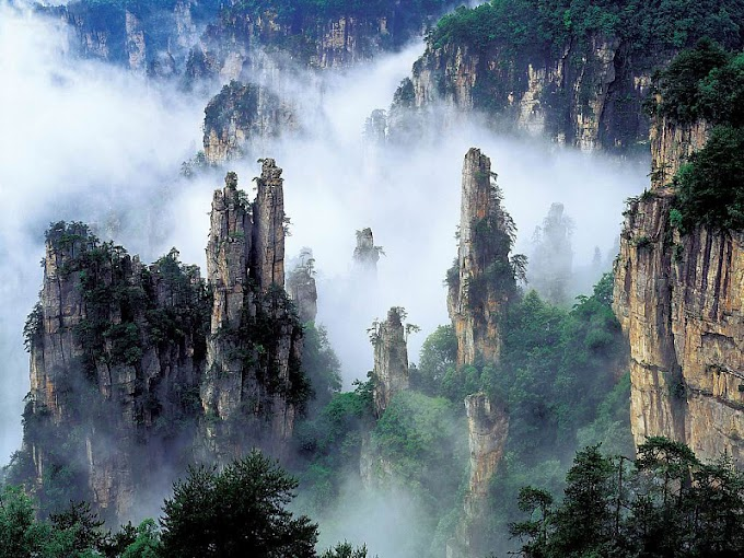 6 Incredible Sights of Tianmen Mountain (with Map & Photos)