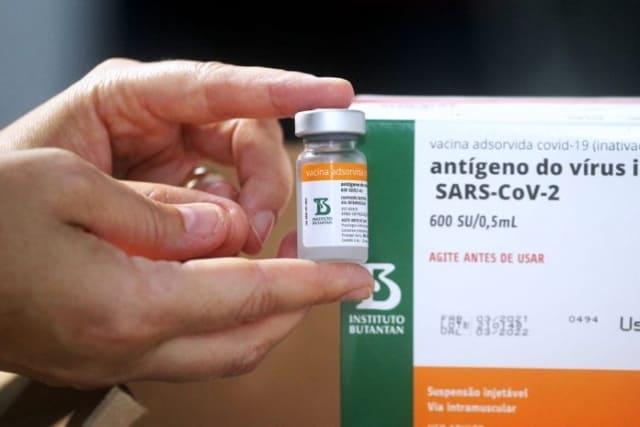 Bahia autoriza vacinação contra covid-19 de pessoas com doenças crônicas e deficiência permanente