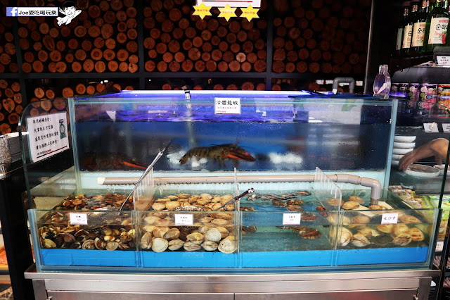 IMG 8631 - 【熱血採訪】肉多多 - 超市燒肉,三五好友一起來採購,想吃甚麼自己拿,現拿現烤真歡樂! 產地直送活體海鮮現撈現烤、日本宮崎5A和牛現點現切!