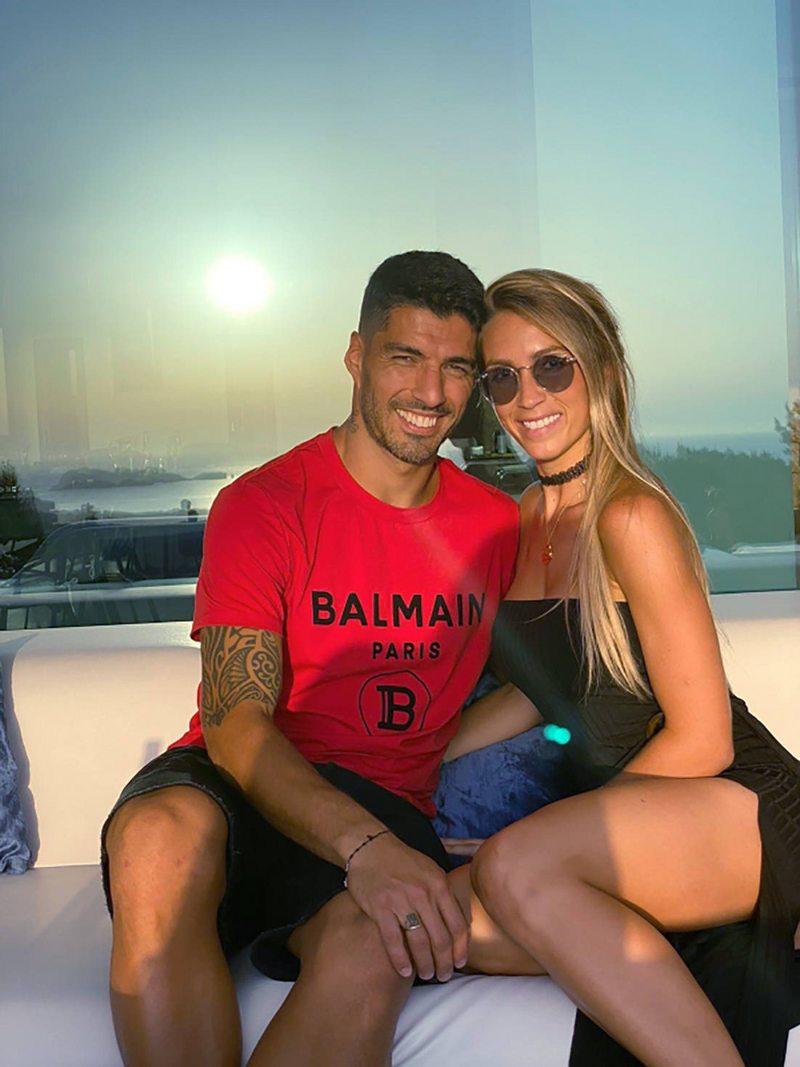 Luis Suárez y Sofía Balbi celebran sus 18 años de amor