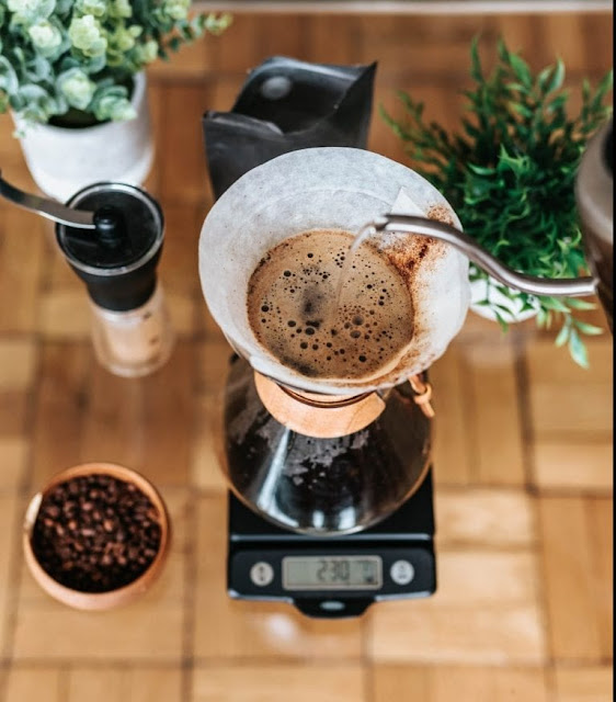 Spin brew pour side coffee | Drip vs Immersion: The Battle of The Coffee Brew Methods