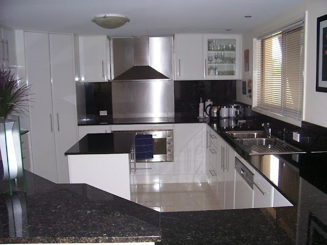 Offers Gold Coast Custom Kitchens Remodeling Services