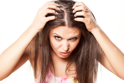 7 Easy Home Remedies to Get Rid of Dandruff
