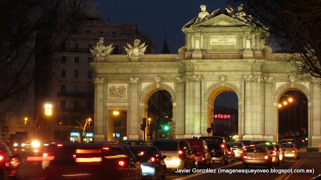 Puerta de Alcalá. Nocturno
