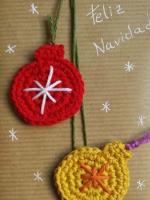 http://www.gloriarte.es/2016/12/envuelve-tus-regalos-de-navidad-de-la-forma-mas-original-con-ganchillo.html