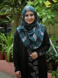 Monica aktris india masuk islam
