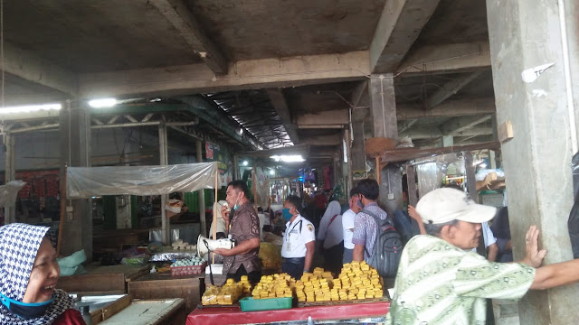Pasar Randudongkal Disemprot Disinfektan, Rencana Pedagang Akan Jalani Tes Swab Tahap 2