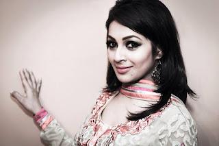 Monalisa Banglalink Model