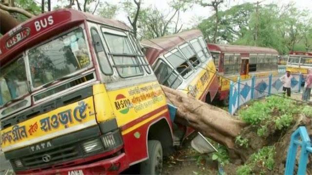 Cyclone Amphan : 72 जणांचा मृत्यू , हेलावून टाकणारी छायाचित्रे || Marathi news