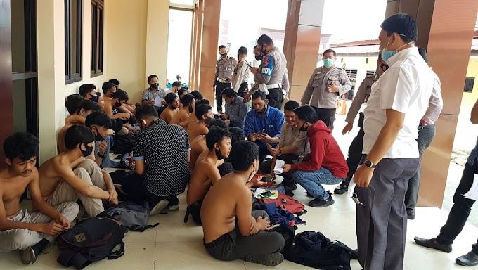 Penertiban Pelajar yang akan Melakukan Unjuk Rasa di Kantor DPRD Kabupaten Rejang Lebong